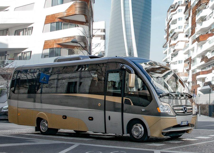 Minibus Lusso 18