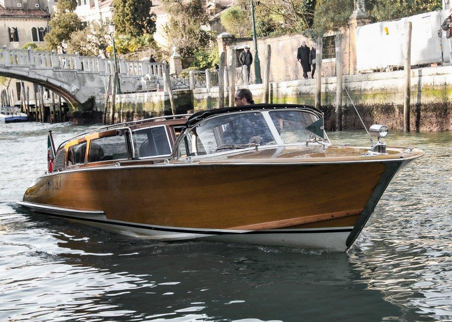 Taxi boat super lusso